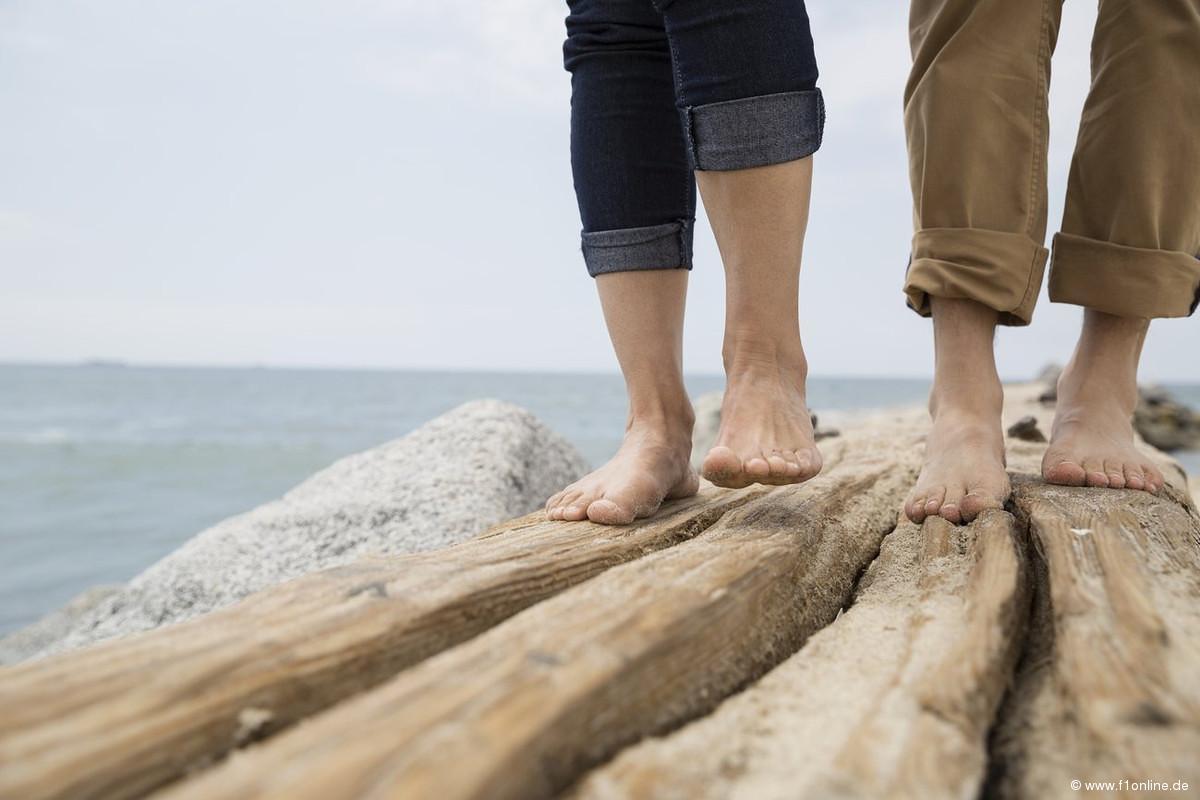 Ohne Schuhe und ohne Socken